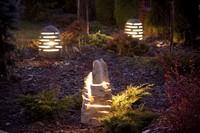 kamienne lampy ogrodowe